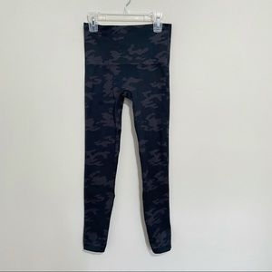 Spanx Camo Look at me Now Seamless leggings S